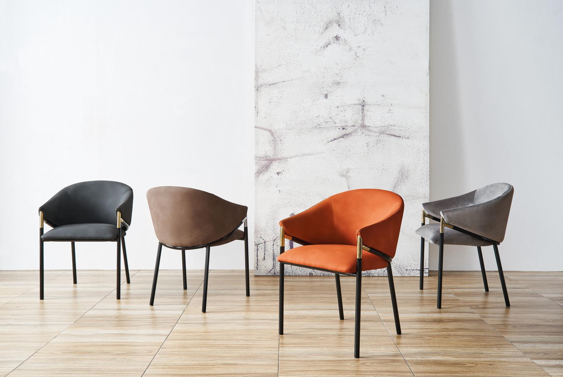 Новые коллекции дизайнерских стульев  в Raroom:  форма и цвет